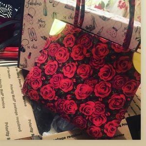 🌹Beautiful Vintage Roses Purse🌹